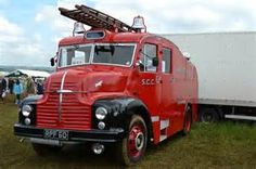 old fire engines Cool Fire, Rescue Vehicles, Fire Apparatus, Auto Service, Emergency Vehicles, Fire Engine, Classic Trucks, Police Cars, Fire Trucks