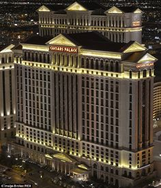 FBI posing as repair technicians at the Caesars Palace resort in Las Vegas. To get away with their incredible ruse, federal agents first turned off Internet access to the villas then impersonated repair technicians to gain entry to get around a warrant, according to defense lawyers challenging the practice.