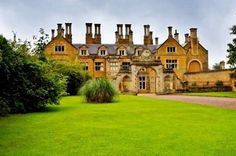 Holdenby House - Holdenby House wedding venue in Northampton, Northamptonshire Tower House, Castle House, Wedding Venues Northamptonshire, Northampton Town, English Architecture, Castles In England, English Castles, English Manor, Countryside