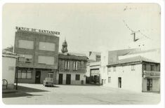 Plaza, Street View, Old Pictures, Past Tense