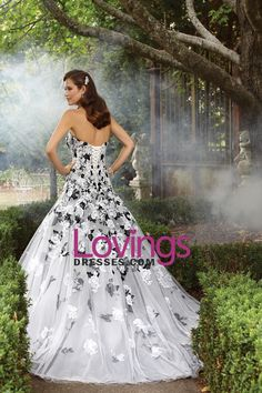 2016 Colorful Wedding Dresses A-Line Strapless Court Train Tulle With Applique Lace Up Back