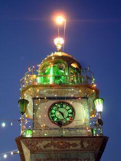 O'Clock Of The Imam Ali Holy Shrine in Najaf.  Iraq