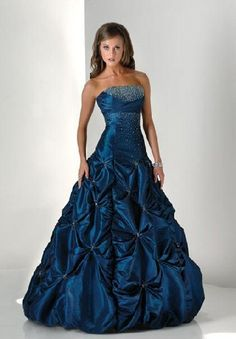 poofy short prom dress: if I could have this I would