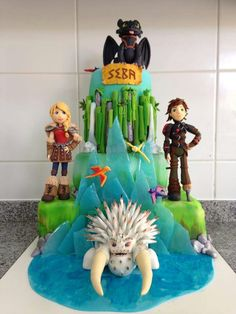 "Amazing ""How To Train Your Dragon"" cake! With ""good sided Alpha"""
