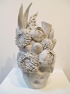 Discover thousands of images about Artodyssey: Kyoko Tokumaru Ceramic Clay, Ceramic Painting, Ceramic Artists, Ceramic Pottery, Pottery Art, Ceramic Flowers, Clay Flowers, Pottery Sculpture, Sculpture Art