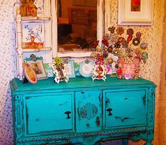 Zia said. Makes me wanna do all sorts of colours in my room. Turquoise Kitchen Cabinets, Painted Furniture, Diy Furniture, House Of Turquoise, Interior And Exterior, Cool Designs, Decorative Boxes, Shabby Chic, House Design