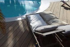 entero por Open studio with pool in a quite area close to the center of Lajares in Fuerteventura and ride from white sandy beaches and pointbreaks. Canario, Barcelona Chair, Canary Islands, Sandy Beaches, Studio, Studios