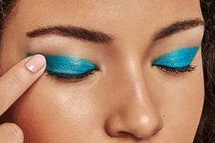 Olhos coloridos e cheios de atitude. Encontre no meu espaço Natura as sombras Mono de Aquarela. Você vai adorar! #maquiagem #sombras #texturas #cores #olhos #fashion #vendasonline #compreonline #site
