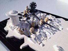 IDSMO - 2014 - R1 - 75054 Battle of Hoth - posted in Star Wars Eigenbauten: Abends,Anbei mein Entry zur Runde1.KategorieMod your Set/Place your Set - Baue für eines der existierenden Lego Star Wars Sets ein Diorama oder Modde eines der existierenden Lego Star Wars Sets.Ich werde mich zwar dieses mal etwas zurückhalten was Größe etc. angeht (Nach dem FBTB Wettbewerb hat mir der Sheriff mal für die nächsten Monate ein Bewerbs Verbot aufgebrummt ) aber nachdem ich die ganzen...