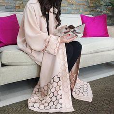 Stunning blush Abaya!!!!!