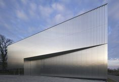 Research Centre in Stuttgart: University Building, south west Germany – design by HENN architects - German Building, Architecture Images 2015 - 16 Factory Architecture, German Architecture, Architecture Images, Industrial Architecture, Facade Architecture, Contemporary Architecture, Industrial Design, Warehouse Design, Research Centre