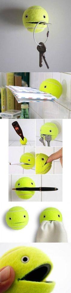 Porte-clé DIY avec balle de tennis // http://www.deco.fr/loisirs-creatifs/photos-78283/