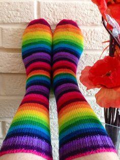 Ravelry: Woollywarbler's April Rainbow Socks