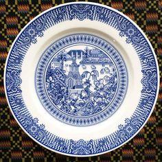 Creative Drawings on Victorian Porcelain Dinner Plates – Fubiz Media
