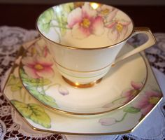Beautiful Art Deco Paragon Trio Pink Poppies Gilded adges
