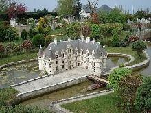 mini chateaux Amboise miniature castles