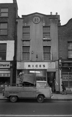 Now demolished Old Pictures, Old Photos, Antique Trucks, Cool Vans, Dublin, Volkswagen, Ireland, Classic Cars, Street