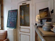 Restaurant L& Bar, rue de l& Paris Craving : Bistro, Market cuisine, Bagels & Sandwiches. The extras : Open Monday, Take-a. Resto Paris, Cravings, Sandwiches, Bagels, Rue, Parisian, Restaurants, Kitchens, I Don't Care