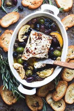 Baked Feta with Olives, Lemon and Rosemary ~ an easy baked cheese appetizer that shows off the spect. Baked Feta with Olives, Lemon and Rosemary ~ an easy baked cheese appetizer that shows off the spect. Cheese Appetizers, Appetizers For Party, Appetizer Recipes, Party Snacks, Tapas Recipes, Dinner Recipes, Greek Appetizers, Feta Cheese Recipes, Pepperoni Recipes