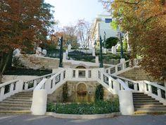 Wiener Spaziergänge: Auf die Strudlhofstiege zu Wien Vienna Austria, Mansions, House Styles, Places, Trips, Daughter, Photoshoot, Dreams, Travel
