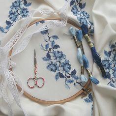 @tozlu_sandikk Embroidery Patterns, Modern Embroidery, Cross Stitch Patterns, Cross Stitch Designs, Cross Stitch Charts, Cross Stitch Embroidery, Cross Stitch Rose, Cross Stitch Alphabet, Linen Towels