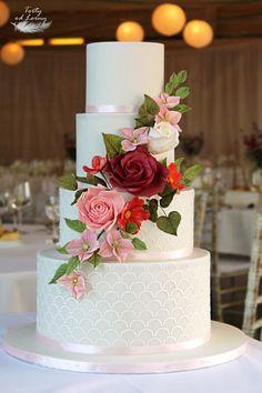 Wedding cake - cake by Lorna Cream Wedding Cakes, Wedding Cake Red, Luxury Wedding Cake, Floral Wedding Cakes, Elegant Wedding Cakes, Beautiful Wedding Cakes, Wedding Cake Designs, Beautiful Cakes, Quince Cakes