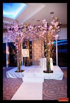 Wedding Chuppah, Floral Chuppah, Jewish Wedding  Keywords: #weddings #jevelweddingplanning Follow Us: www.jevelweddingplanning.com  www.facebook.com/jevelweddingplanning/