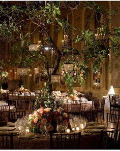 Cuando quieres casarte en un bosque encantado http://ideasparatuboda.wix.com/planeatuboda