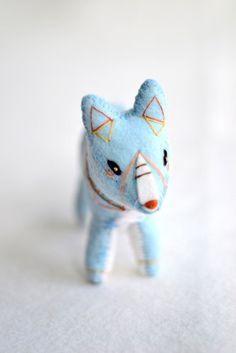 blue spirit fox  soft sculpture par MountRoyalMint sur Etsy