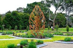 feuille en acier Corten en tant que décoration jardin moderne et originale