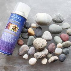 Envirotex clear high gloss resin spray with smooth dry rocks Beach Rocks Crafts, Rock Crafts, Fun Crafts, How To Polish Rocks, Resin Spray, Rock Tumbling, Rock Hunting, Diy Resin Crafts, Cardboard Crafts