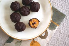 Perfect as a holiday dessert or snack, you'll want to keep a constant stock of these Pumpkin Spice Chocolate Chip Cookie Dough Truffles around! Even better, they're vegan, sugar-free, gluten-free, grain-free, dairy-free, egg free, soy-f...