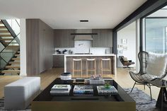 John Lum reimagines charming San Francisco home with stark extension Latest Kitchen Designs, Modern Kitchen Design, Steel Cladding, Glass Extension, San Francisco Houses, Cottage Style Homes, White Countertops, Street House, Sliding Glass Door