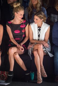 Poppy Delevingne (L) and Olivia Palermo front row at Desigual fashion show during Mercedes-Benz Fashion Week Spring 2015 Olivia Palermo Lookbook, Olivia Palermo Style, Poppy Delevingne, Fashion Week 2015, Fashion Show, Nyc Fashion, Fall Fashion, Celebrity Dresses, Celebrity Style