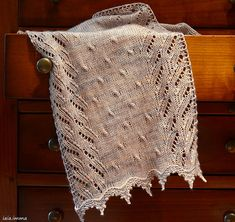 Ravelry: Here and There Everywhere pattern by Maria Dunkels. Knitted by iaiaimma