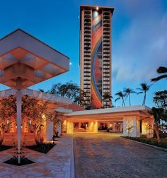 Hilton Hawaiian Village....Rainbow Tower, the best!
