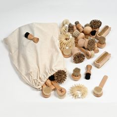 storing heuristic play materials - Google Search                                                                                                                                                                                 More Infant Toddler Classroom, Heuristic Play, Self Help Skills, Treasure Basket, Wooden Brush, Sensory Boxes, Early Childhood Education, Childhood Games, Nursery Organization
