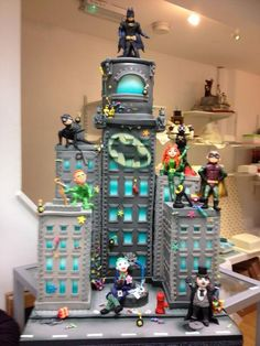 Batman Gotham City cake my nephew would go crazy for this cake Batman Birthday Cakes, Custom Birthday Cakes, Batman Cakes, Batman Party, Lego Birthday, Cake Birthday, Gorgeous Cakes, Amazing Cakes, Pretty Cakes