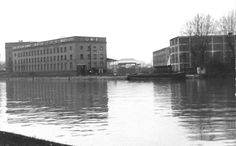 B/w photo of docks in Brentford Brentford, Serendipity, New York Skyline, 1960s, The Past, Lost, Memories, London, Places