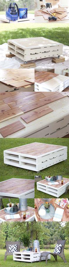 Mesa DIY con palés y laminados
