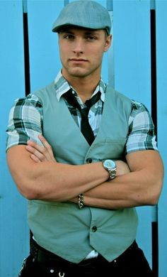 Brock Yurich. Fresh men's fashion daily, follow http://pinterest.com/pmartinza