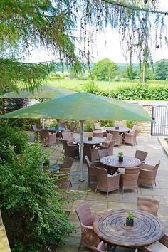 Visitors to the Highwayman enjoy a wonderful relaxing environment . Celebrate the great British summer in the beautifully appointed garden terrace for al fresco dining, whilst crackling log fires inside make it the ideal winter dining and drinking destination too.