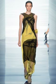 Vera Wang Spring 2014 Ready-to-Wear Fashion Show - Kremi Otashliyska
