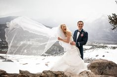 26 Snowy Wedding Photos That Capture The Romance Of Winter | The Huffington Post
