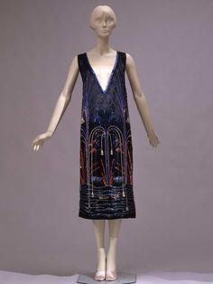 Наткнулась в сети на список лучших музеев моды ( тут и тут ) и обиделась за флорентийскую Галерею костюма. Музей Гуччи в этот список вошел (почему тогда не Музей…