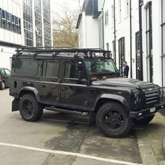 Land Rover Defender 110 Extreme waiting for go out city.