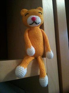 Amineko amigurumi cat in yellow