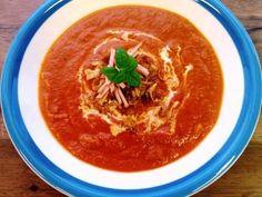 Tomaatti-pastakeitto -Täyteläistä keittoa kylmeneviin päiviin.