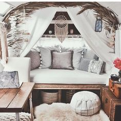 Δ Suηdαy Vιbes Δ Airstream goals via @sarahloven One more day to come by our booth at @libfestival and say hey! by flightof_fancy
