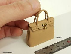 Dollhouse Miniatures handmade designer purse by DollhouseAra #miniaturehandbag #miniaturebag #miniaturehermes